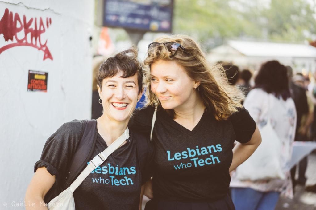 Lesbians who tech à la pride de nuit
