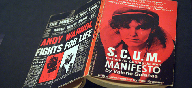 Scum Manifesto le livre - crédit photo : Marc Wathieu/Flickr - Friction Magazine lesbien