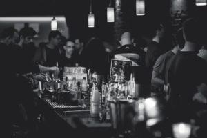 un bar hétéro