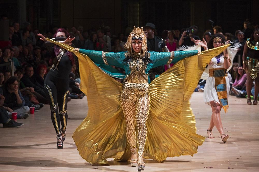 ball voguing dans le cadre du festival Second Square Branché Mode