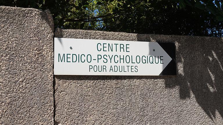 CMP : centre medico psychologique pour adultes et queer ? Frictin-Magazine
