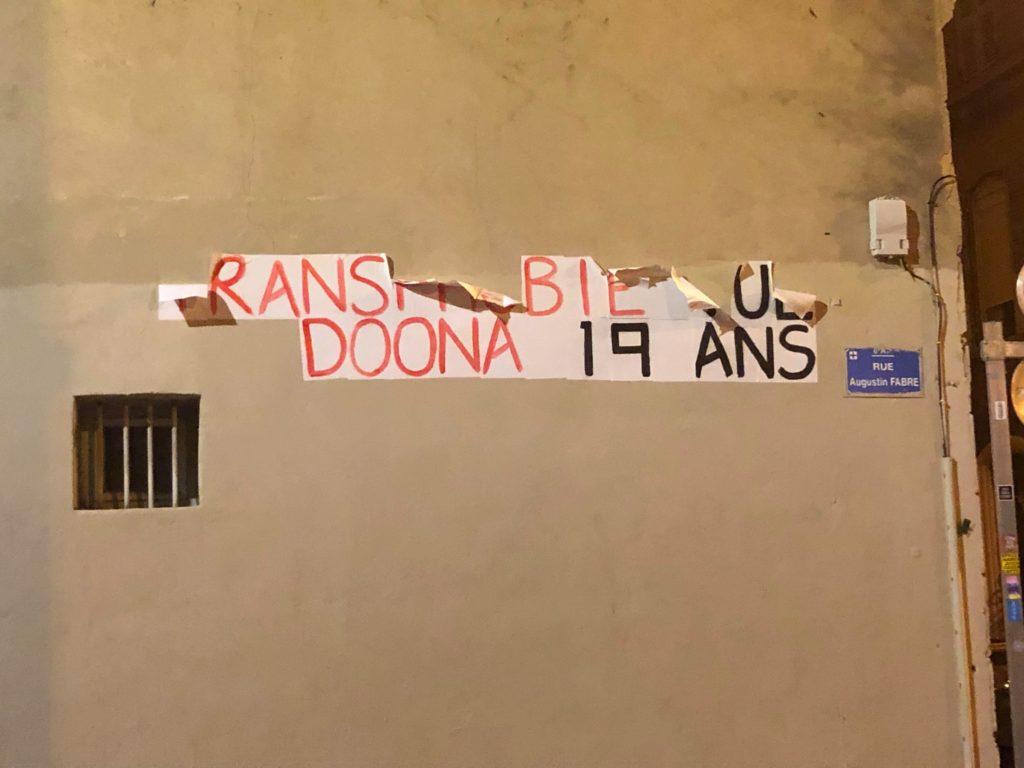 Collage féministe  en mémoire de Doona à Marseille (c) Gaelle Matata
